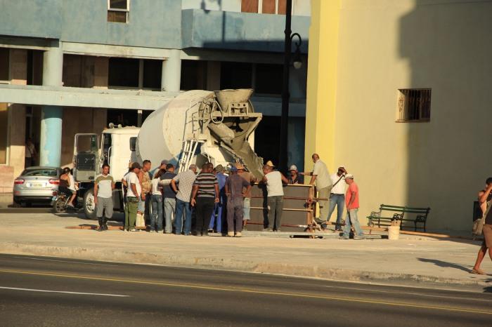 El lugar donde se erigió la escultura en el Malecón con Galiano, en La Habana
