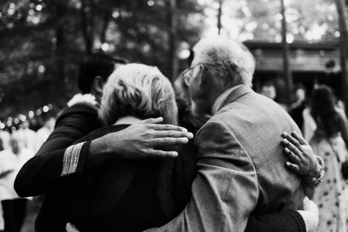 Socializar los abrazos